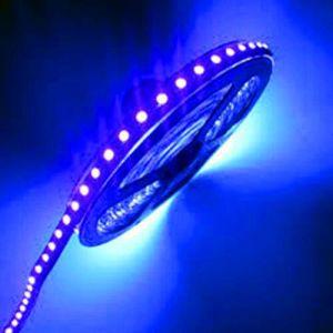 3528 Solo La iluminación de LED de tira de color azul.