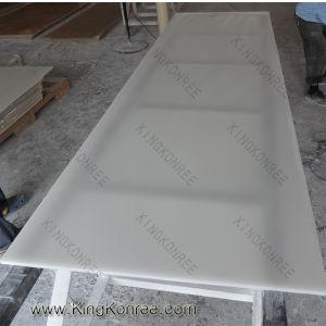 半透明な樹脂のアクリルの固体表面の平板