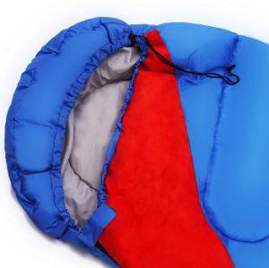秋および冬のキャンプは二重寝袋を戦うことができる