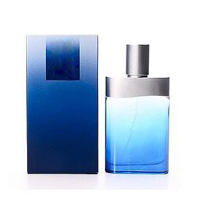 ニースのにおいが付いている香水