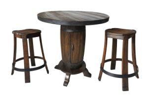 Tabla de barril de madera y el conjunto de las heces