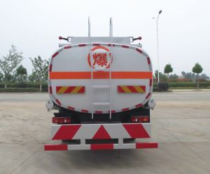 6車輪Euro5の手動良質8ton 10cbmのステンレス鋼タンクトラック10000リットルの燃料タンクの