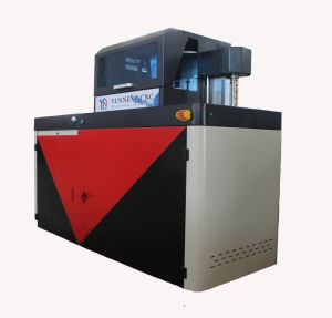 Specialiseer me in de Machine van de Materialen van het Aluminium voor het Embleem van het Teken Adversting