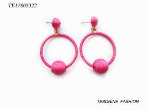 Cheap Wholesale Fashion Design Huggie balle rose populaire Hoop Earrings
