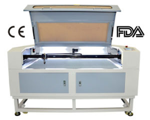 디스트리뷰터는 절단 조각 비금속을%s 이산화탄소 Laser 기계 100W를 원했다