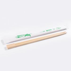 Le bacchette di legno hanno utilizzato il padellame del ristorante