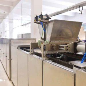 Utilisation en usine automatique des bonbons au chocolat faire de la ligne de production