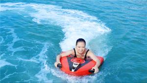 Летние развлечения воды на велосипеде на лодке игрушек море серфинг плата