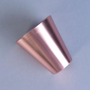 Los mini sostenedores de vela votivos coloridos de la forma cónica del metal fijaron
