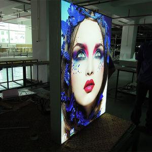 Nova tela de LED de exterior com sinalização de material de publicidade