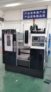 Alta precisión China Centro de Mecanizado Vertical CNC (XK7125)