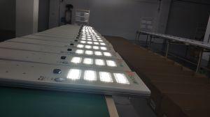 80W tous dans une rue solaire intégré Outdoor lumière LED Lampe d'alimentation du capteur de mouvement
