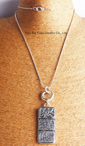 Tegenhanger van de Halsband van de Bloem van 3 Sectie van de manier de Grote Anti Zilveren Gehamerde