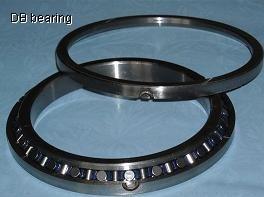 A traversé les roulements à rouleaux cylindriques (SX011824/SX011836/SX011848)