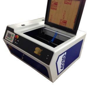 小型レーザーの彫版機械大理石のゴム製iPhoneのケースの木の二酸化炭素レーザーの彫刻家