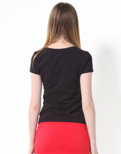주문 숙녀는 Coton 까만 t-셔츠를 한탄한다