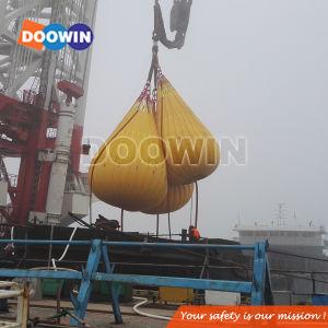 Crane & teste de carga de acostar sacos de peso com água