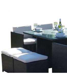 식탁 및 의자 등나무와 유리제 옥외 가구