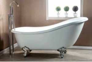 Clawfootの支えがない鋳鉄の白い浴槽