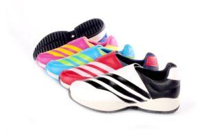 Новый стиль детей/детей спортивную обувь пробуксовки колес на