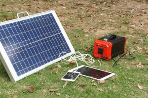 En espera del inversor Casa portátil utiliza Generador de Energía Solar 300W