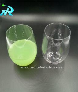 ワイングラスのワインのゴブレットの白ワインガラス