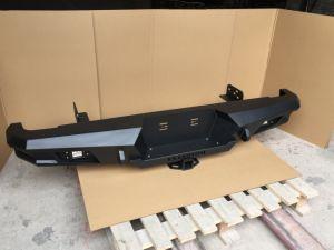 Paragolpes trasero de acero B06 con LED para el Hilux Triton Dmax Navara Ranger Amarok Bt50