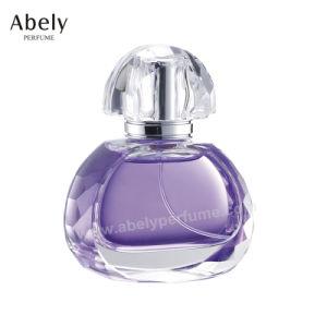 Ramassage de bouteille en verre de guindineau Parfum avec de l'huile essentielle
