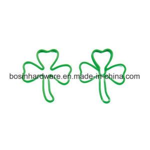 녹색 잎 모양 주문을 받아서 만들어진 종이 클립