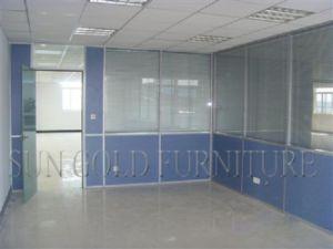 Immeuble bureaux moderne mur verre acier noir blanc u photographie