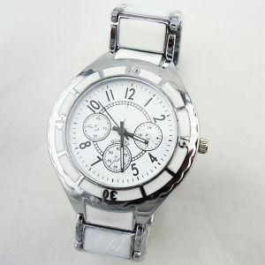 Or Argent avec la pierre en alliage céramique couleur boîtier en acier inoxydable de retour de montres (JY-HJ039)