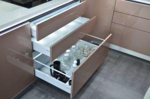 Leveranciers van China pasten Hoog aan polijsten de Metaal Moderne Keukenkast van Lak 2 PAC