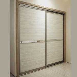 A porta da estratificação do clássico de Oppein apainela o armário do quarto (YG21230)