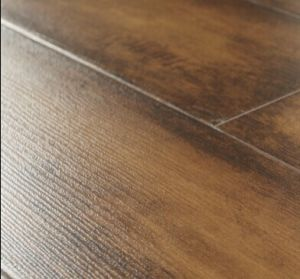 Suelos de madera laminada en relieve para el hogar