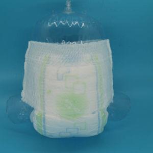 低価格の使い捨て可能な普及した赤ん坊によってはおむつが喘ぐ