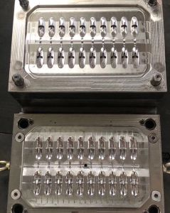 射出成形機械を作るクリップ型