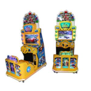 HD LCDの硬貨によって作動させる子供はシミュレーターのアーケードのビデオゲームのレースカーを追い越す