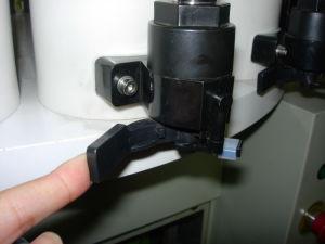 結合される自動ペンキのミキサーおよび手動ディスペンサーシステムを染める