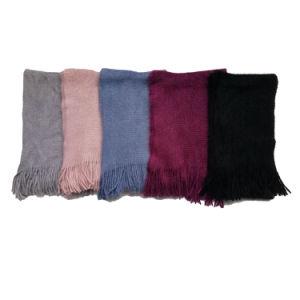 ブラシをかけられたスカーフのようなアクリルのカシミヤ織を編む女性の極度の柔らかい方法