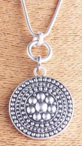 Anti Gestempeld Zilveren van de manier Gehamerd om de Halsband van de Tegenhanger