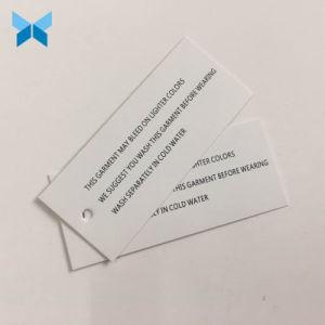 Barata de fondo blanco simple papel impreso colgar la ropa de etiqueta para