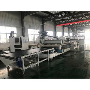 Mobiliário de madeira produzindo a linha CNC