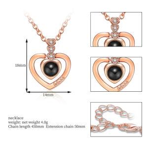 Commerce de gros 2018 Haut de la conception Hot Sale Mode féminine colliers Accessoires Bijoux je Vous aime dans 100 langues Pendentif Coeur Collier de projection