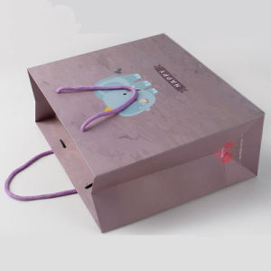 De aangepaste Verpakking van de Gift van Kerstmis doet het Gerecycleerde Document van de Kunst voor het Winkelen in zakken