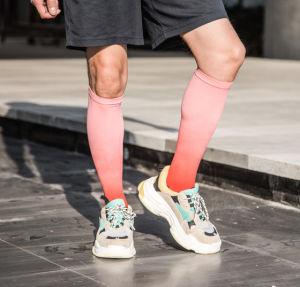 Calzini stampati variopinti su ordinazione all'ingrosso di stampa di sublimazione dei calzini