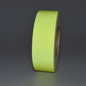 Gele Permanente Vlam - vertrager die Weerspiegelende Band waarschuwen