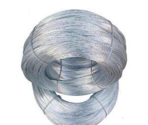 Une bonne quantité de fil de fer galvanisé pour la construction en usine Anping