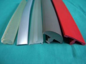연약한 PVC Windows 밀봉 지구 밀어남 선 생산 기계