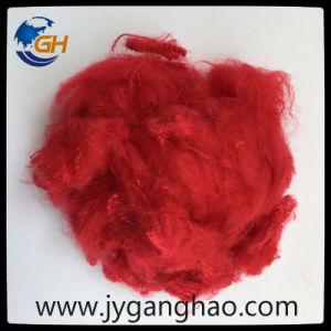 Polyester-Spinnfaser im Rot