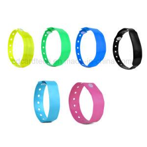 13.56MHz Customzied 색깔 접근 제한을%s 연약한 PVC RFID 소맷동